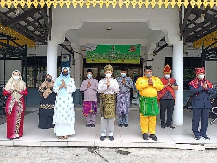 Pemakaian Baju Adat Daerah Jajaran ASN Kecamatan Medan Petisah