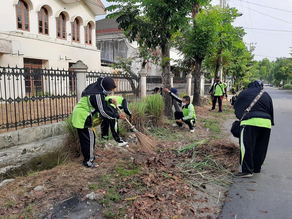 Gotong Royong Rutin di Kecamatan Medan Petisah