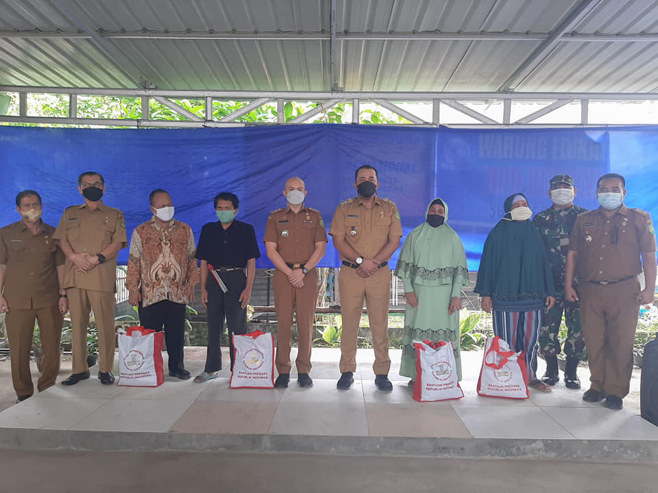 Pembagian Bantuan Dari Presiden RI Secara Simbolis Oleh Wakil Walikota Medan Di PERTUNI