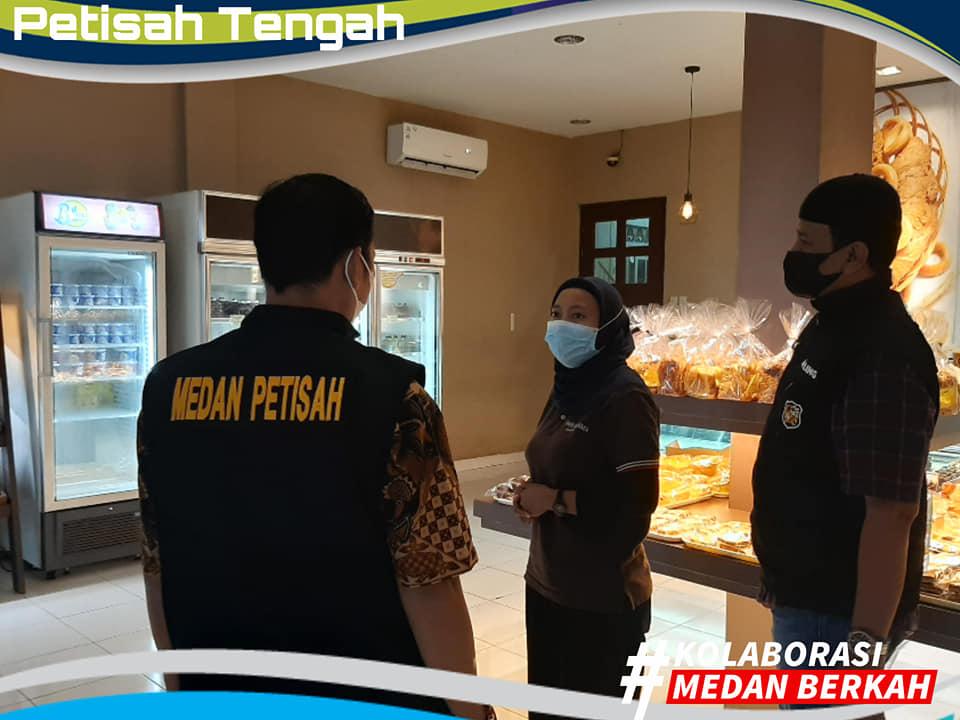 Giat Pemantauan Prokes Usaha Kuliner Selama Bulan Ramadhan di Kecamatan Medan Petisah