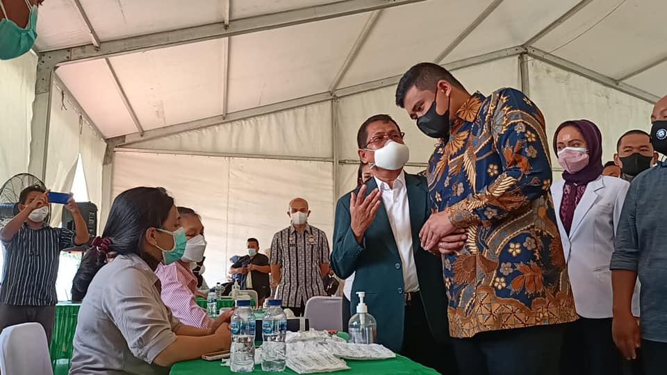 Peninjauan Walikota Medan Di Sentra Vaksinasi Ex. Taman Ria